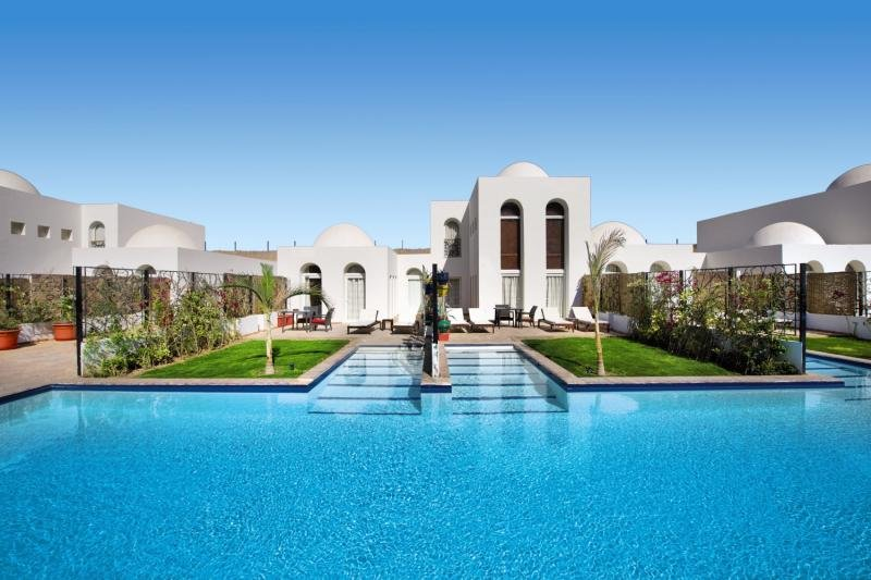 Fort Arabesque Resort & Spa, Villas & The West Bay Pool