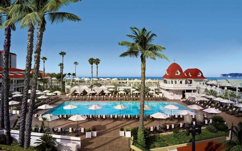 Del Coronado Pool