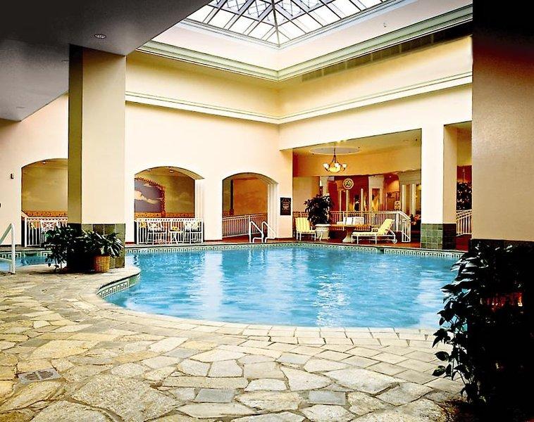 The Broadmoor Hallenbad