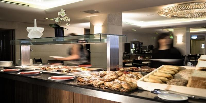 Academy Plaza  Frühstücksraum