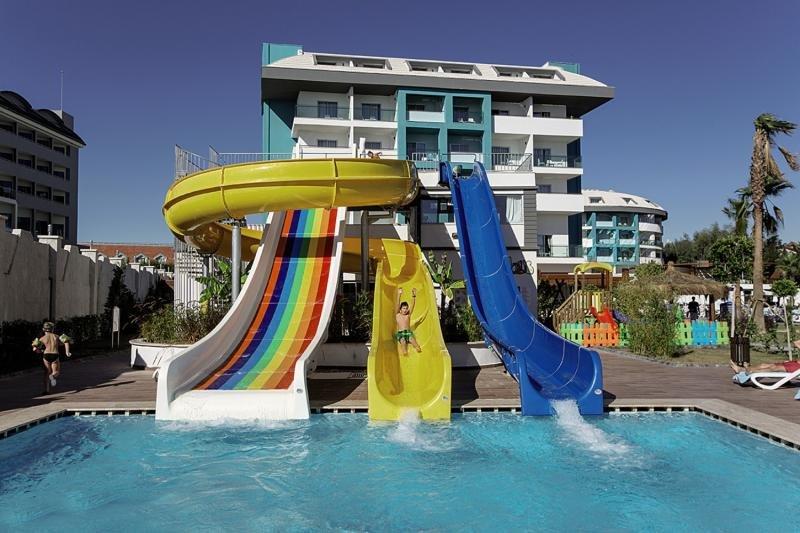Seashell Resort & Spa Pool