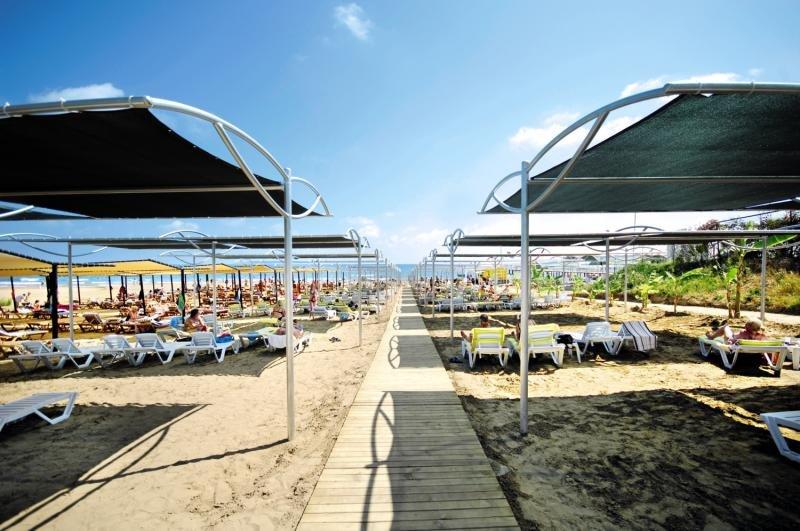 Diamond Beach Hotel & Spa Terrasse