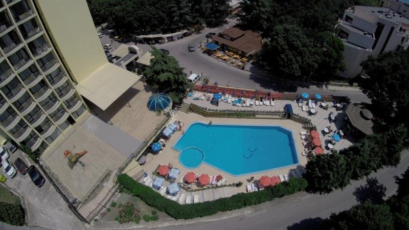 Shipka Pool