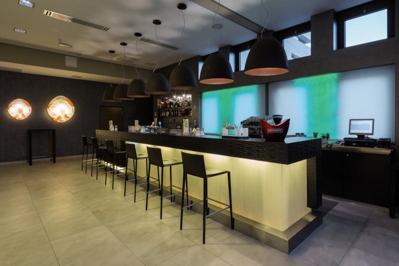 BRETANIDE Sport & Wellness Resort Bar