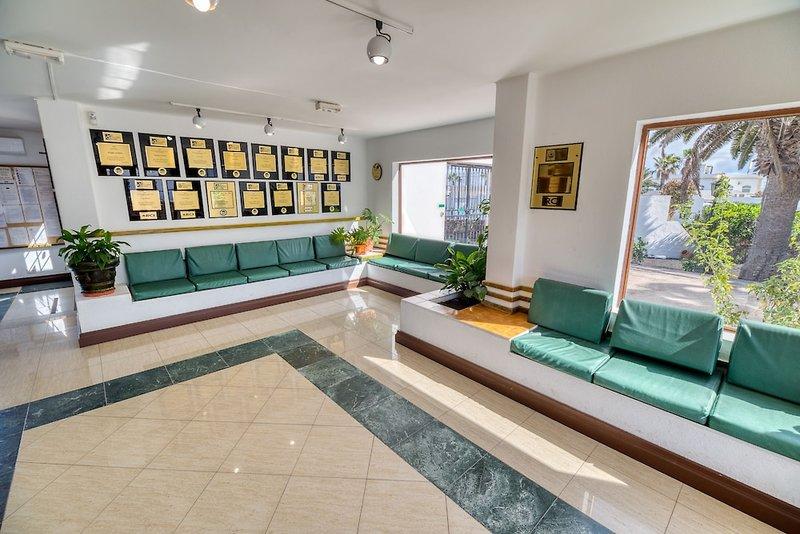 Ona Las Brisas Lounge/Empfang