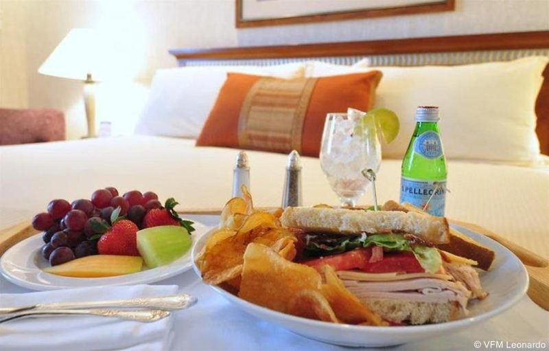 Holiday Inn Express Denver Downtown Restaurant