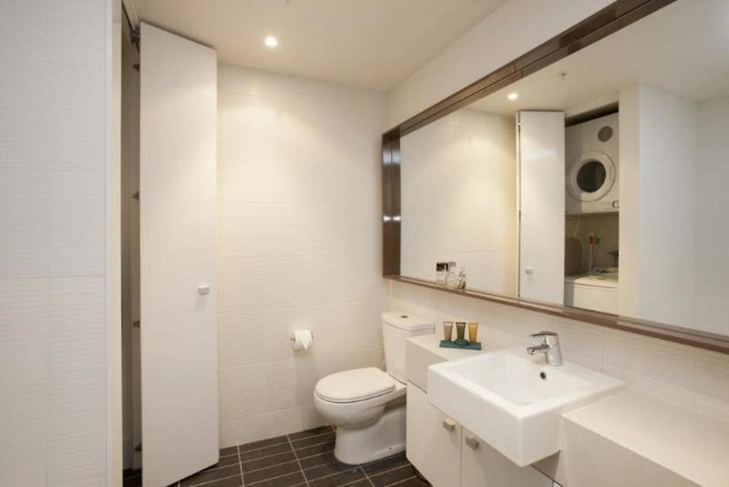 Melbourne Short Stay Apartments Whiteman Street Badezimmer