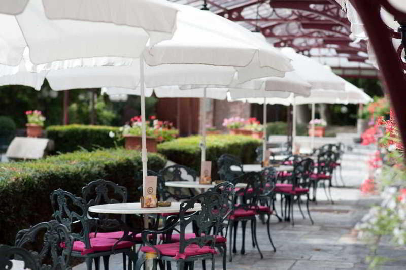 Ramada Plaza Liege City Centre Terrasse