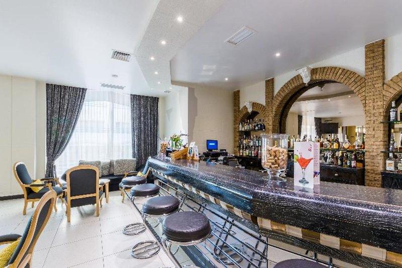 Luna Hotel da Oura Bar