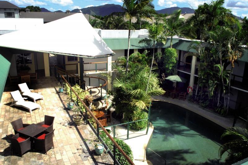 Bay Village Tropical Retreat Terrasse