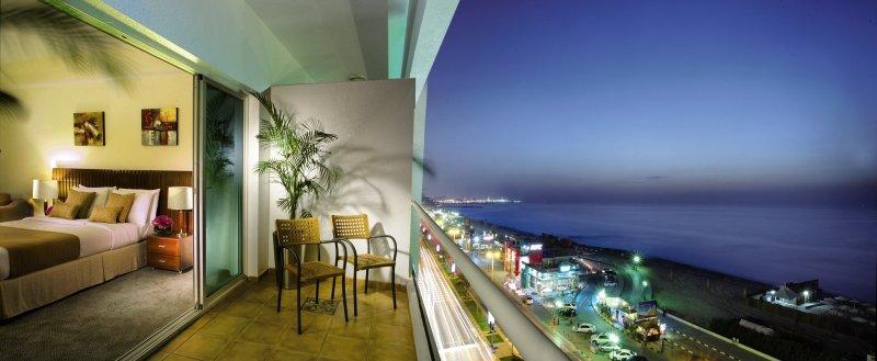 Ramada Beach Hotel Ajman Wohnbeispiel
