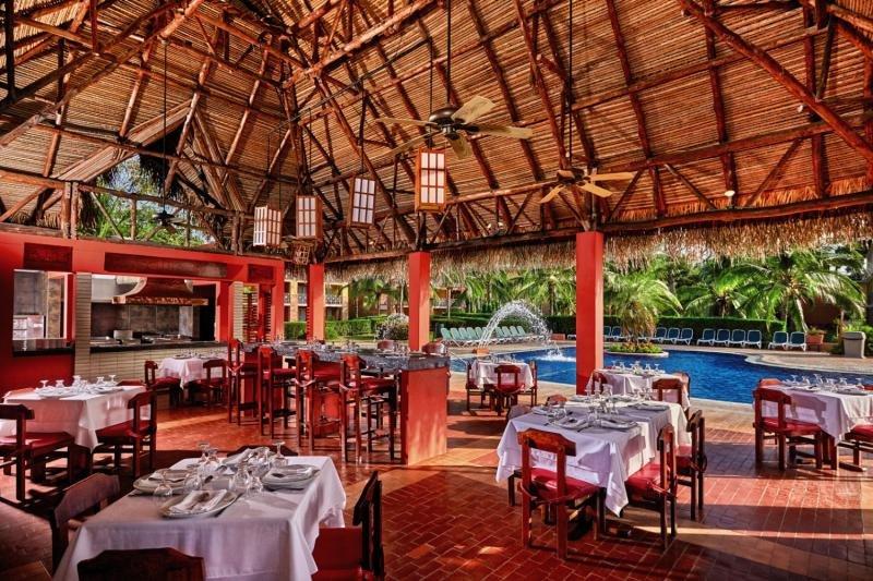 Royal Decameron Golf Beach Resort & Villas Restaurant