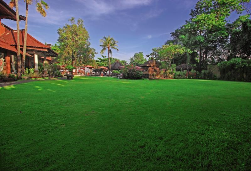 Keraton Jimbaran Resort Garten