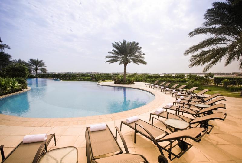 Mövenpick Bahrain Pool