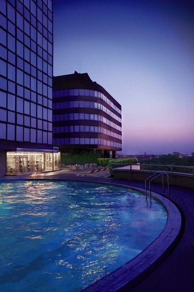 Le Meridien New Delhi Pool
