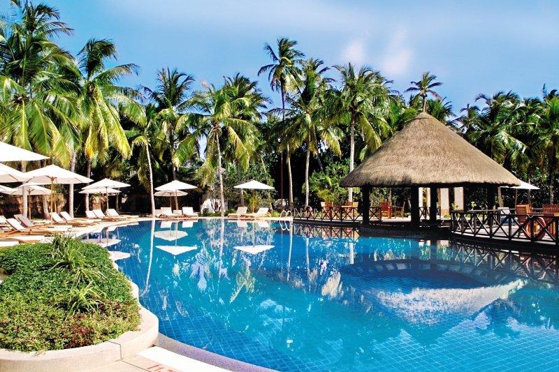 Bandos Maldives Pool