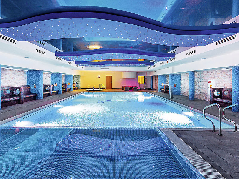 Delfin Spa & Wellness Hallenbad