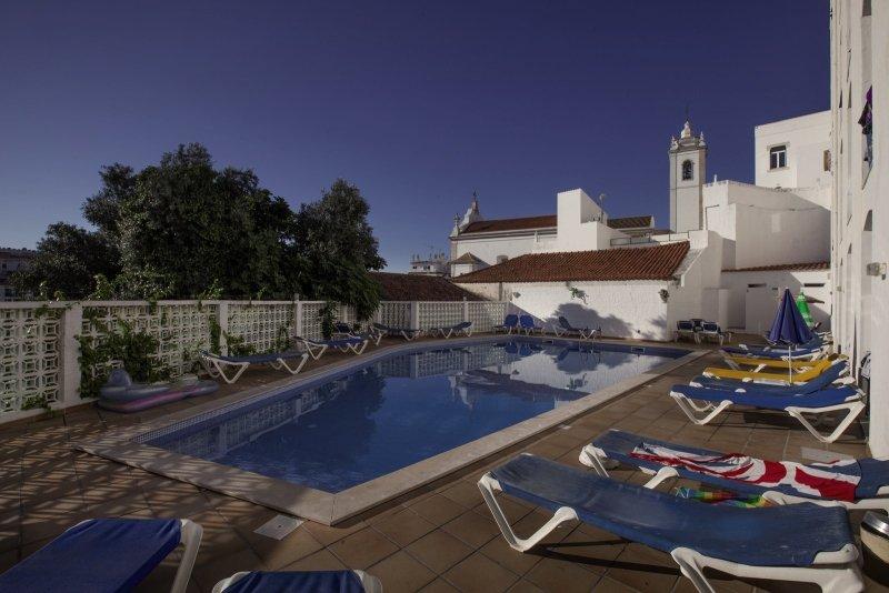 Vila Recife Pool