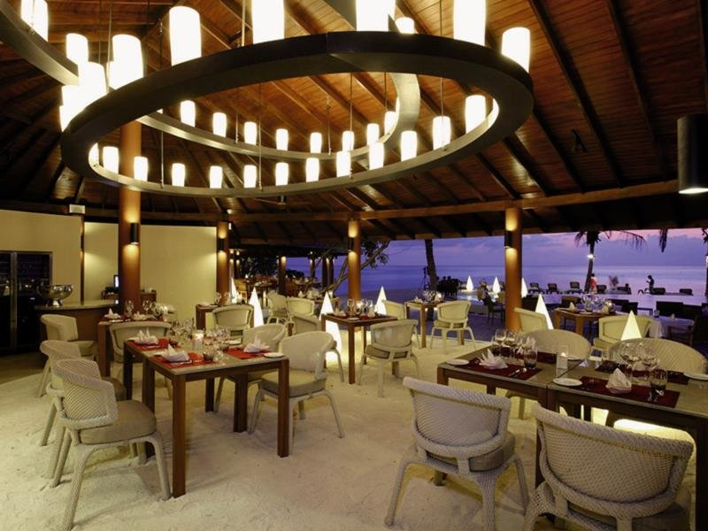 Centara Ras Fushi Resort & Spa Restaurant