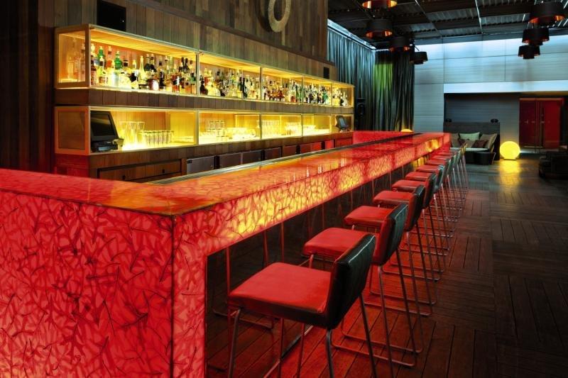 W Montreal Bar