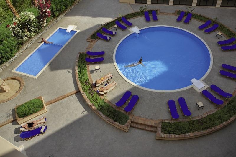 Sol y Mar Ivory Suites Pool
