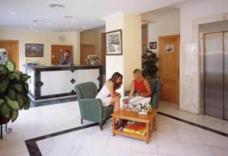 Playas Paguera Lounge/Empfang