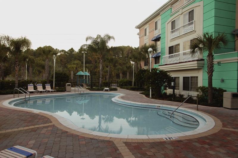 Sunset Palms Hotel Inn & Suites  Pool