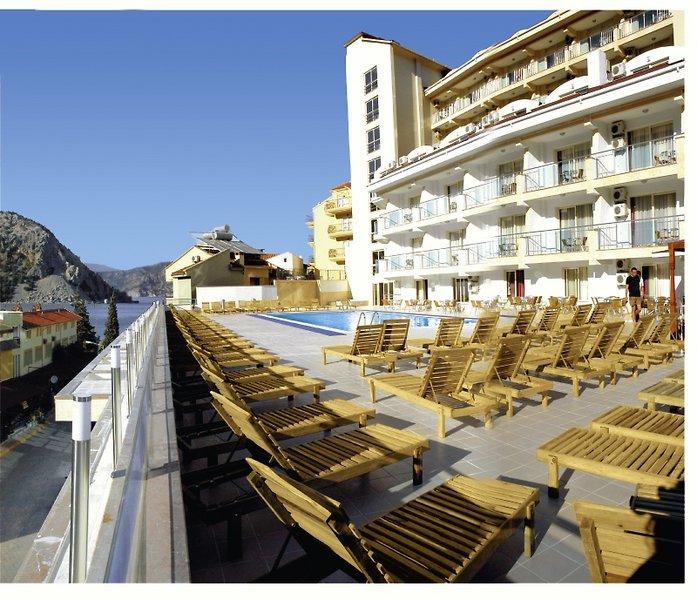Calipso Beach Hotel Pool