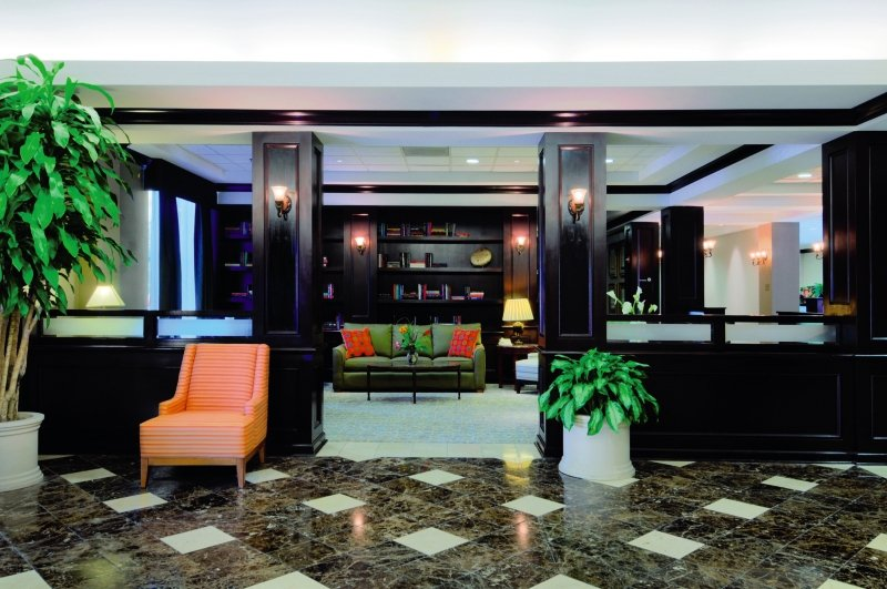 Best Western Plus Dallas Hotel & Conference Center Lounge/Empfang