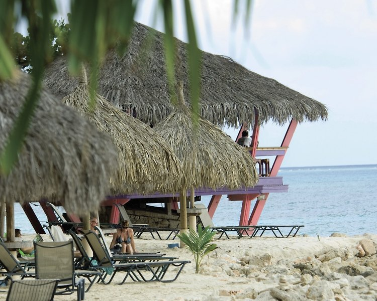 Divi Dutch Village Beach Resort Strand
