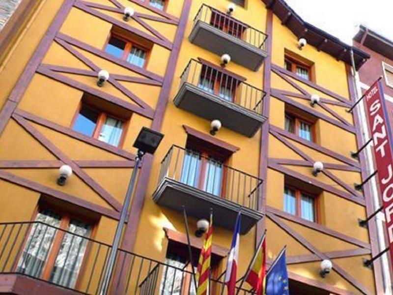 Sant Jordi Außenaufnahme