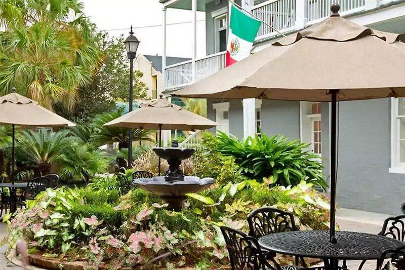 Maison Saint Charles Hotel & Suites  Terrasse