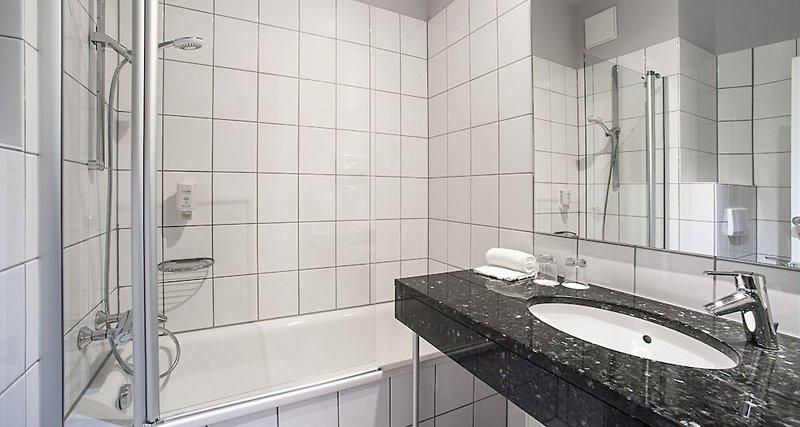 Victor´s Residenz Saarlouis Badezimmer
