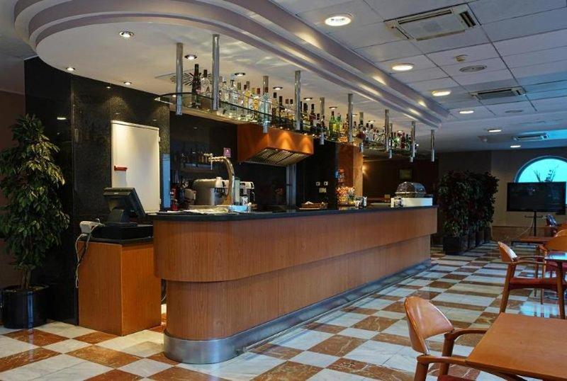 Zenit Diplomatic Bar