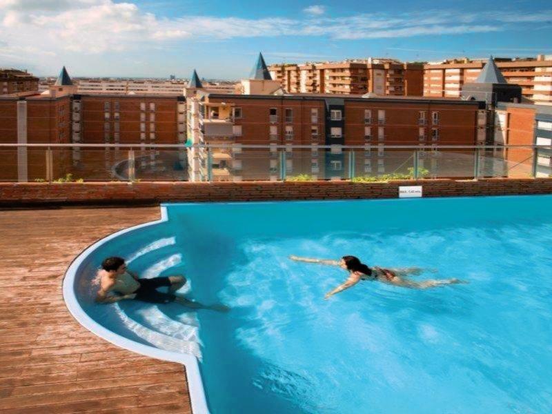 Senator Barcelona Spa Pool