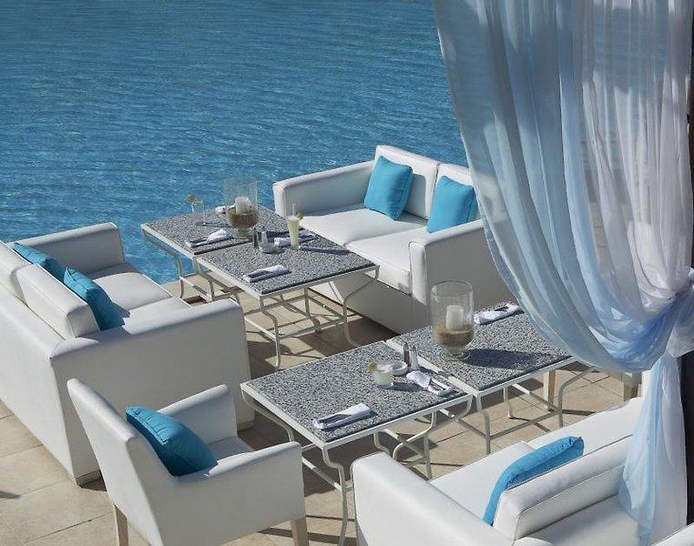 Jaz Aquamarine Resort Bar