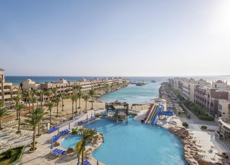 Sunny Days El Palacio Resort & Spa Pool